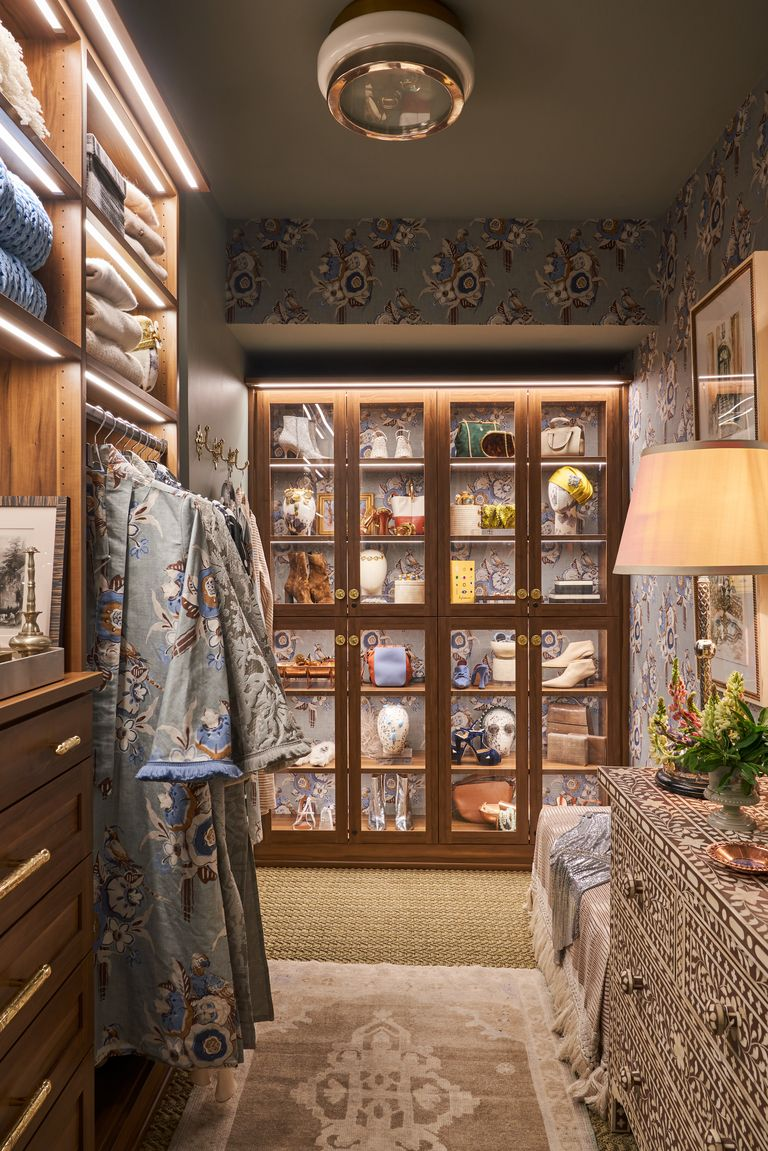 Closet Design with Moroccan Bar Pull