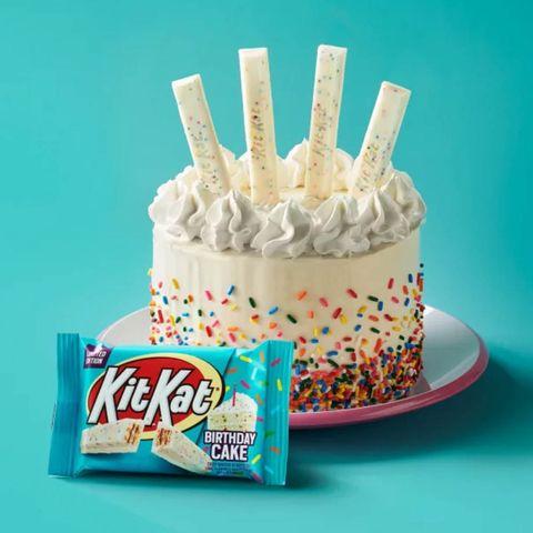 Food, Snack, Birthday cake, Buttercream, Birthday candle, Cake decorating supply, Cake, Cream, Baked goods, Frozen dessert,