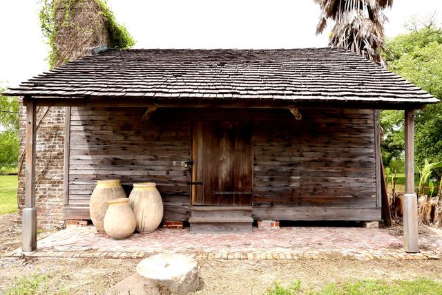 whitney plantation museum, house, slave residences, wood house