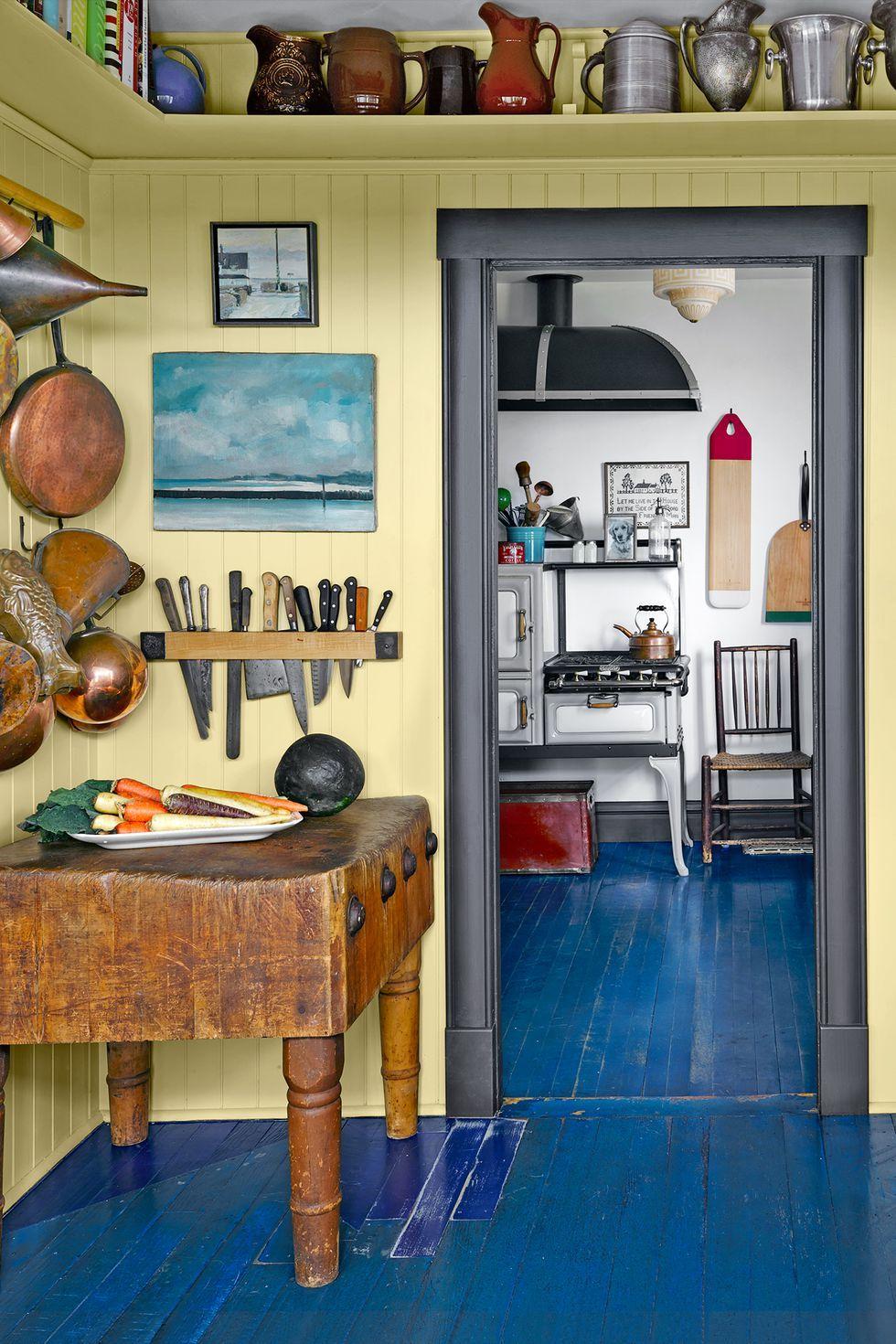 & 24 Kitchen Color Ideas - Best Kitchen Paint Color Schemes