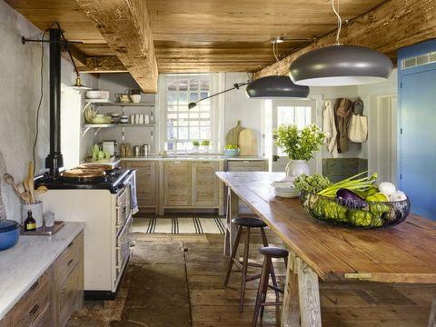 kitchen-lighting-ideas-sleek-modern