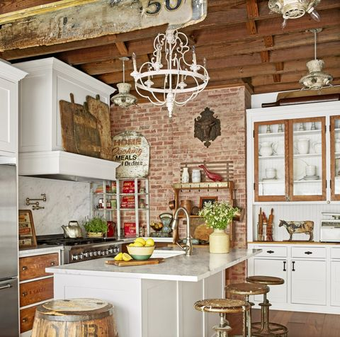 kitchen-lighting-ideas-vintage-chandelier