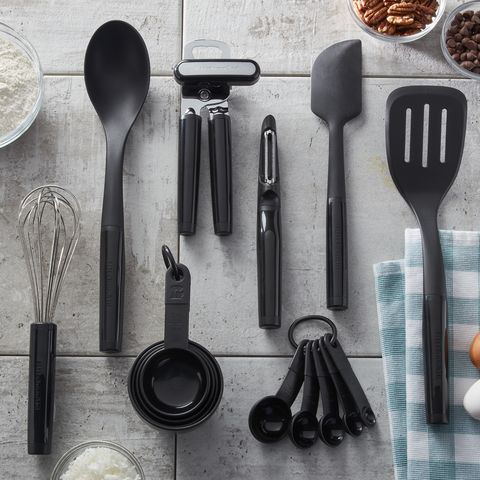 Cutlery, Tableware, Spoon, Kitchen utensil, Tool, Fork, Household silver, Still life photography, Metal,