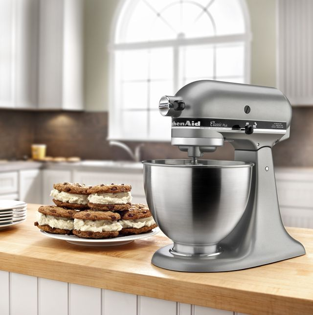 mixer, small appliance, kitchen appliance, countertop, home appliance, kitchen, food, dish, cuisine, room,
