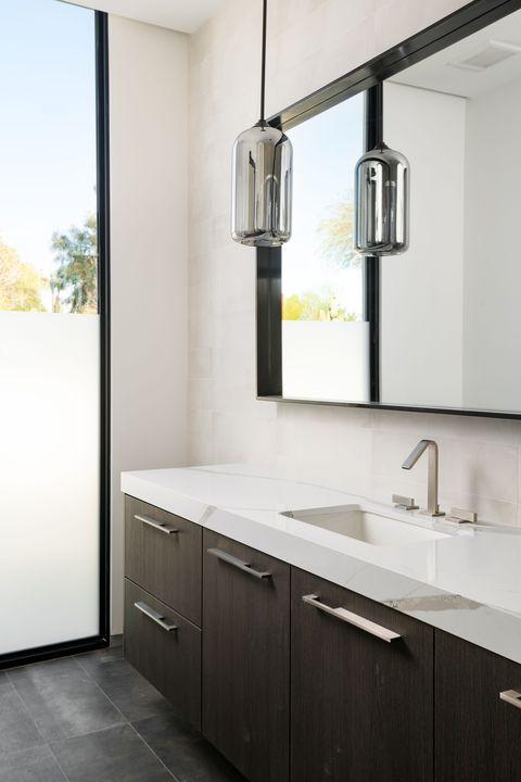 kliff kingsbury bathroom