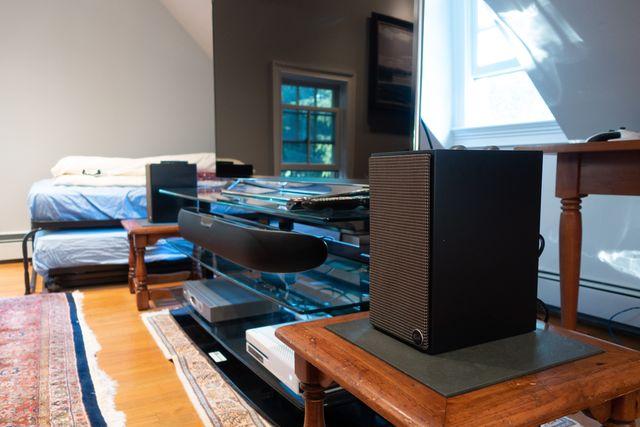 klipsch fives speakers on media console