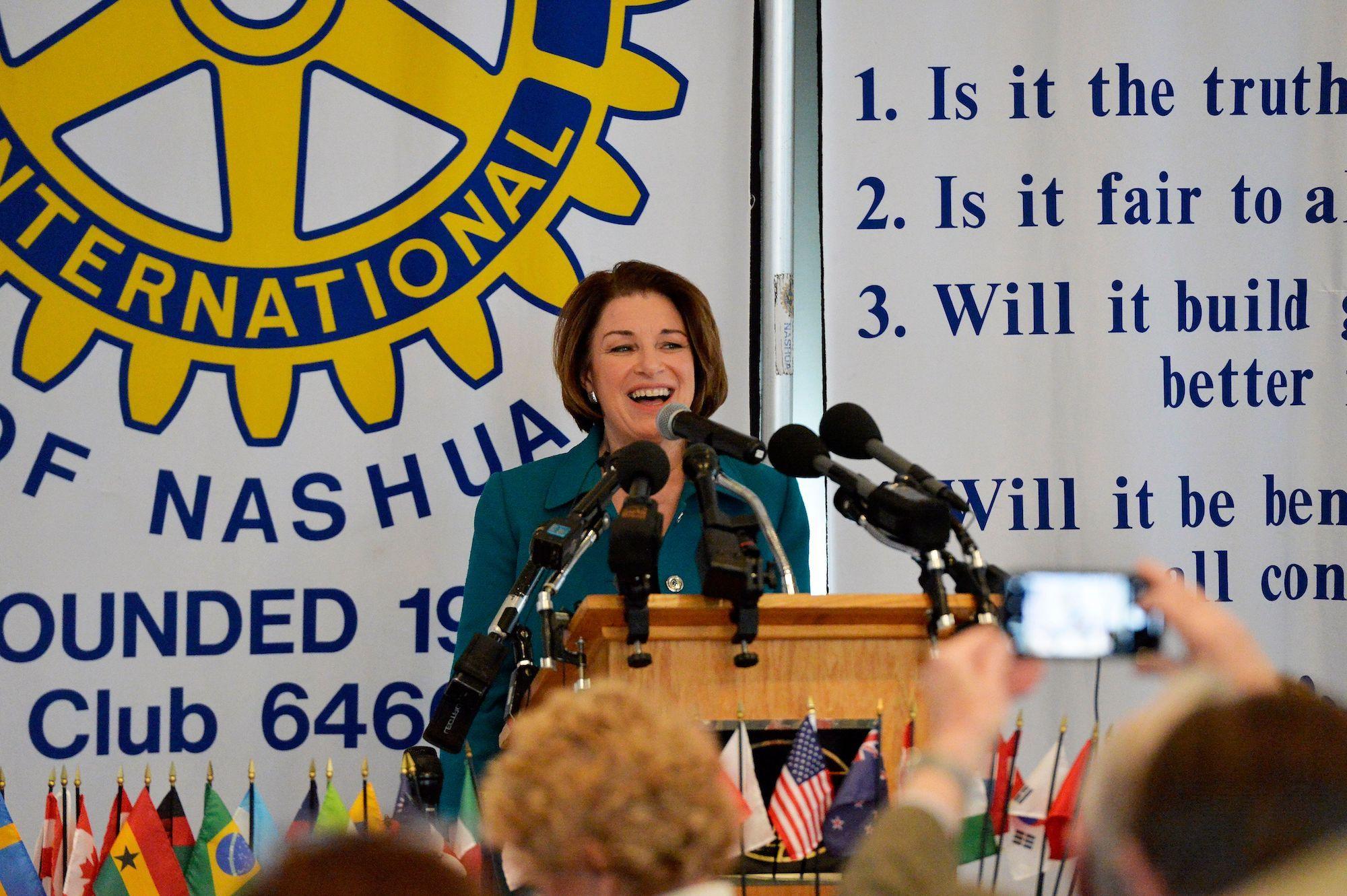 Amy Klobuchar Is Now Taking Some Cues From Elizabeth Warren Rather Than Joe Biden