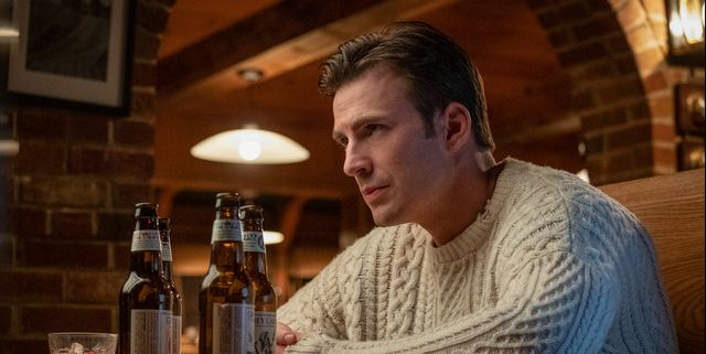 Please Swaddle Me in Chris Evans' 'Knives Out' Sweater This December
