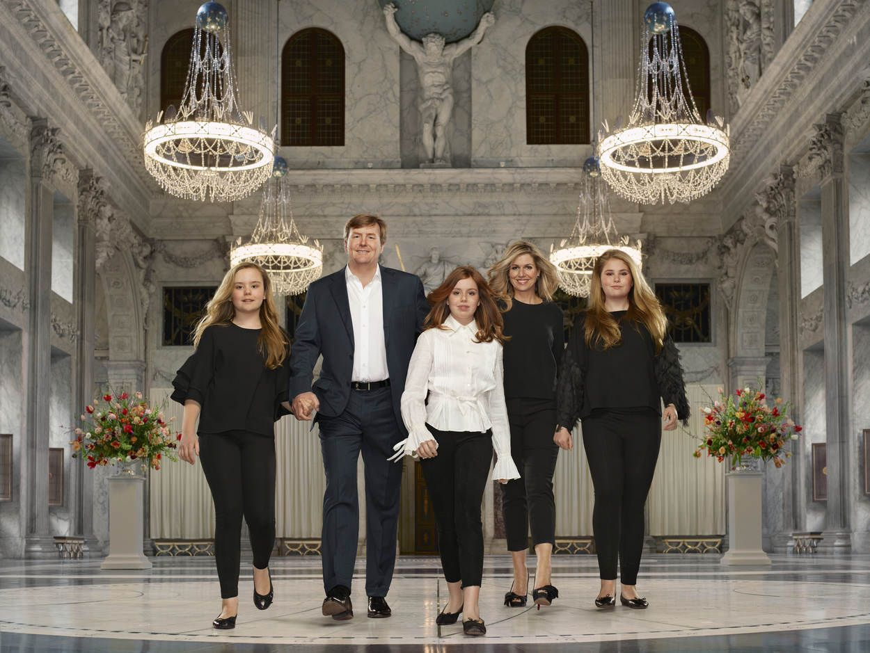 Dutch Royal Family Portraits -Photos of King Willem