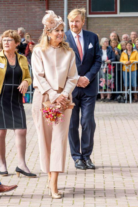 koningin máxima ton sur ton look creme wit outfit