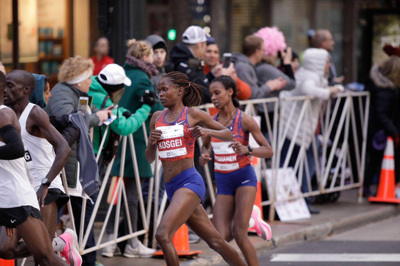Brigid Kosgei Wins the Chicago Marathon in World Record Time