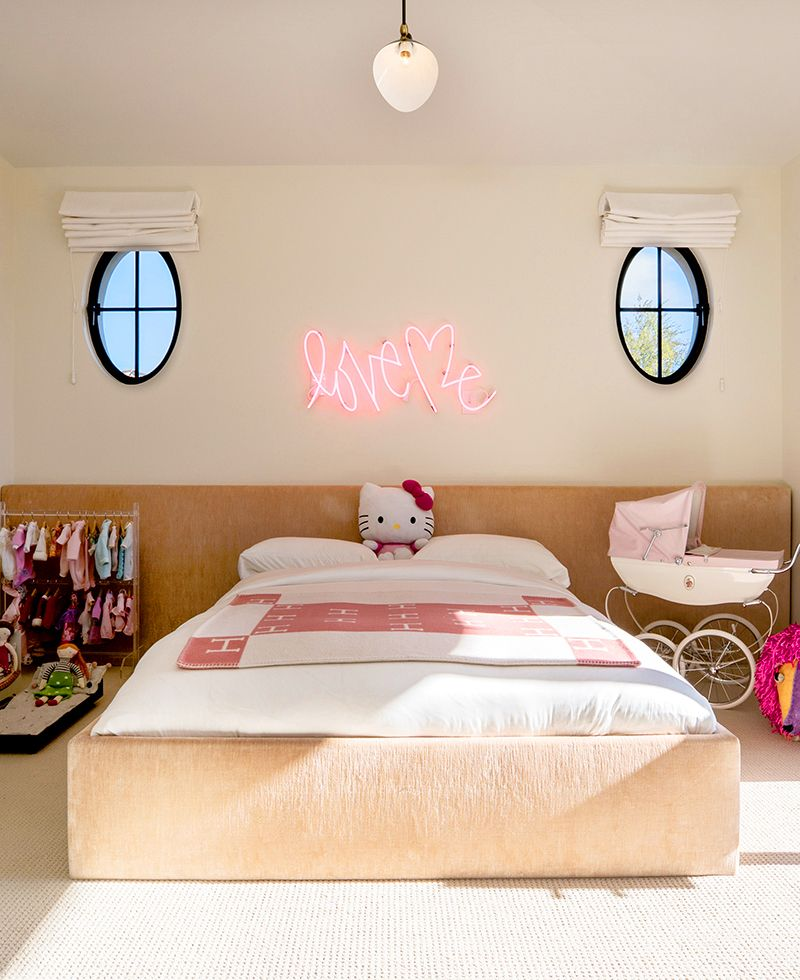 Magnificent Penelope Disick Has A Dream Girls Room Kourtney Home Interior And Landscaping Mentranervesignezvosmurscom