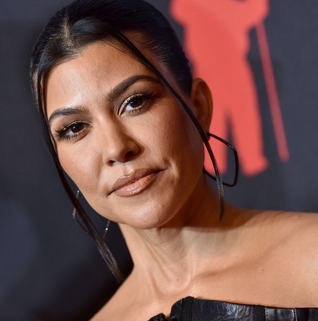 kourtney kardashian highlighter makeup