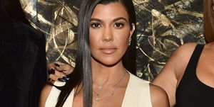 kourtney-kardashian-striae
