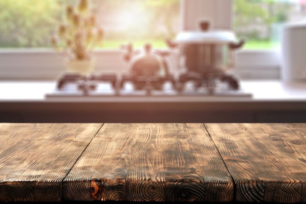 Krassen houten tafel verwijderen
