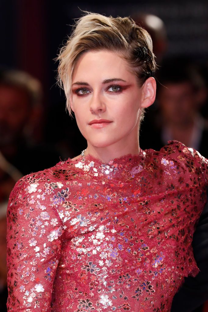Holy Sh*t, Kristen Stewart's New Bubblegum-Pink Hair Is Sooo Badass