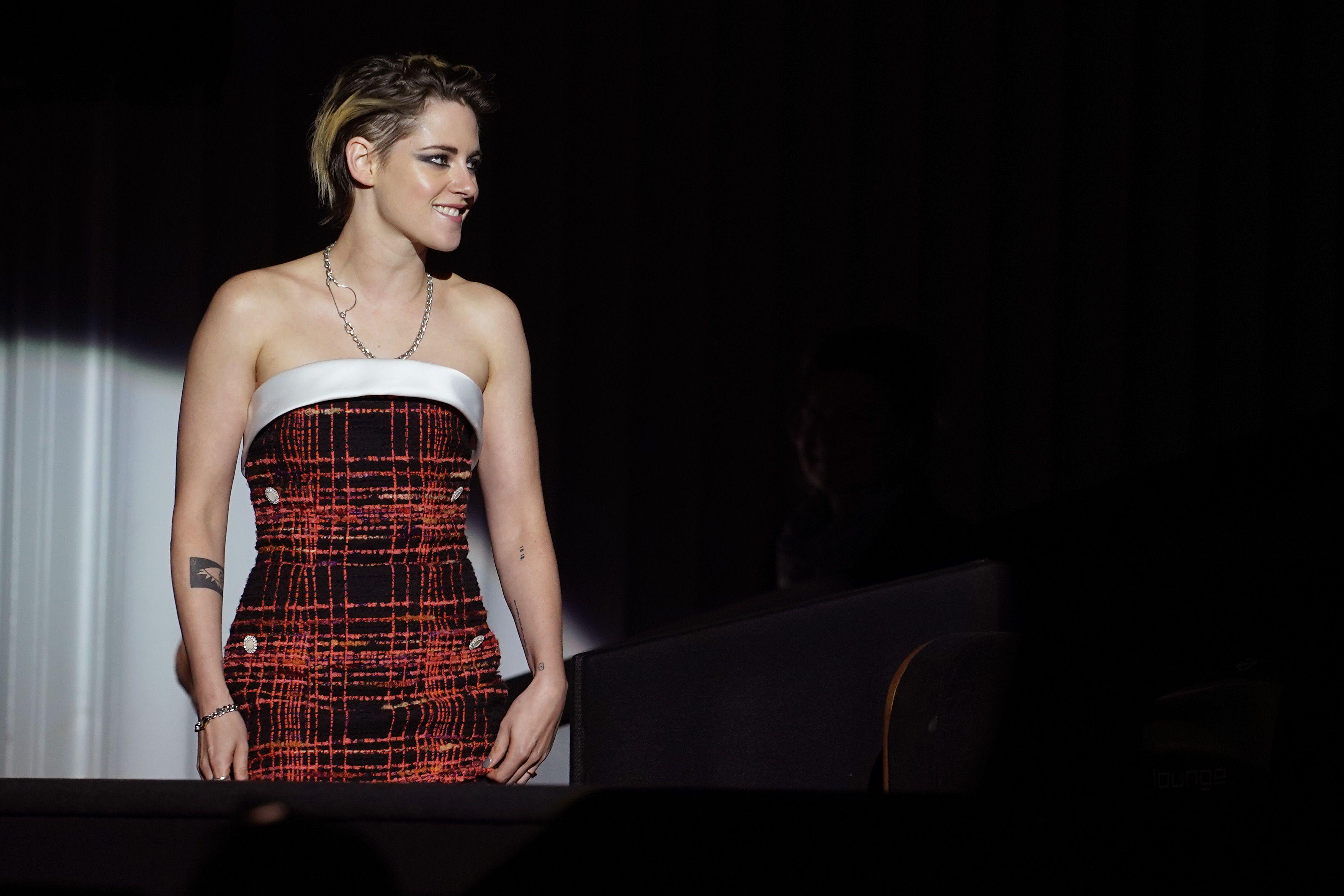 Kristen Stewart wears tweed Chanel couture to the Seberg premiere
