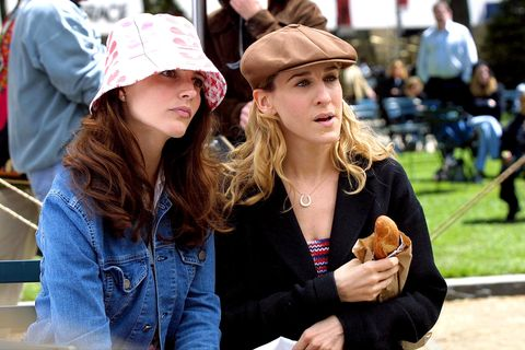 "kristin davis and sarah jessica parker on location for ""sex and the city"" on may 08, 2001"