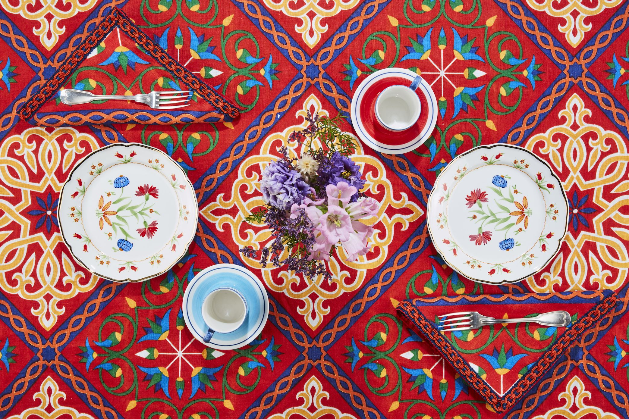 Carolina Herrera and Cabana Just Released a Sophisticated, Pattern-Punched Tabletop Collection