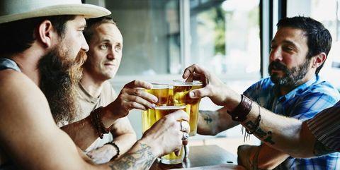 Kun je veilig bier drinken na je training?