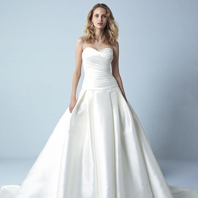 大人花嫁のためのハートカットドレス6選