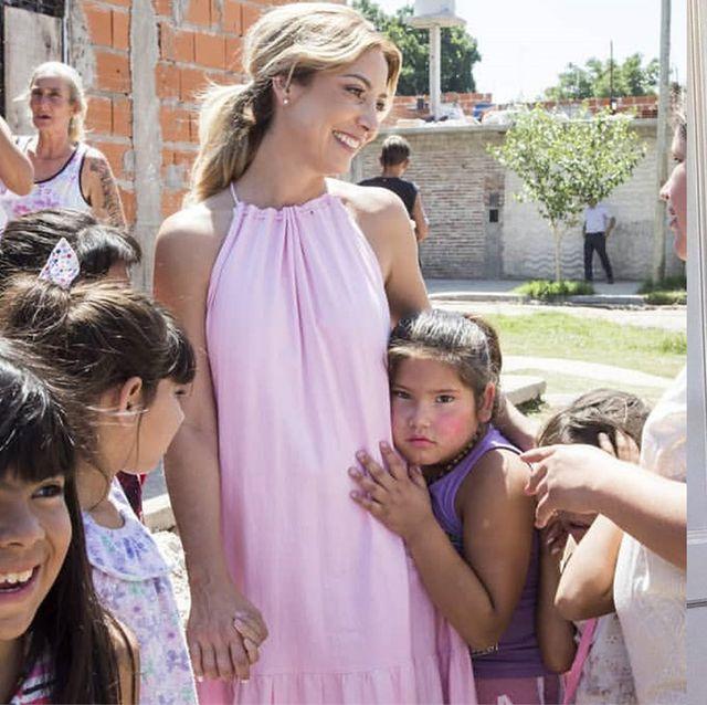 才色兼備な新・ファーストレディに注目! アルゼンチンのファビオラ・ヤニェスが魅せる華やかご公務ルック