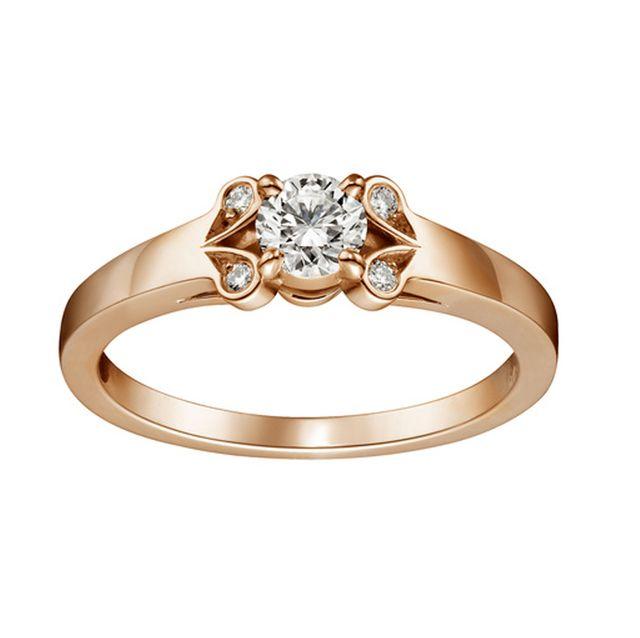 おしゃれ花嫁は婚約指輪もゴールド派!