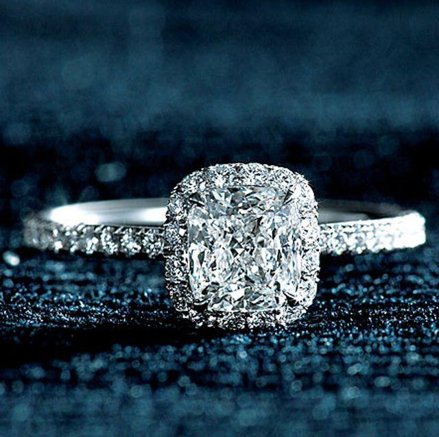 ダイヤがゴージャスに煌めく、憧れメゾンの婚約指輪カタログ
