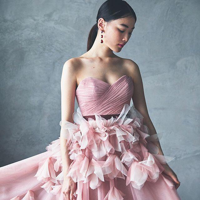 大人花嫁のための、洗練のピンクドレスカタログ