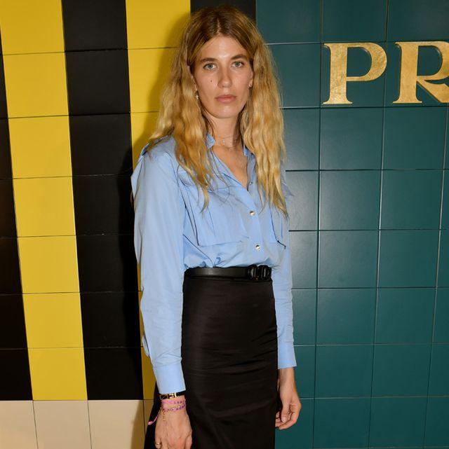 ヴェロニカ・ハイルブルンナーになりきり! 定番、ブルーシャツを秋顔に着こなしたい♡