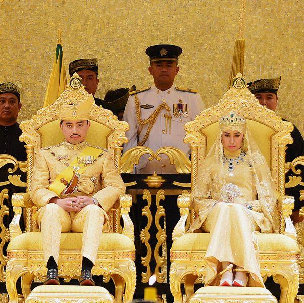 ゴールド一色! ブルネイ王室のド派手すぎる金ぴか結婚式