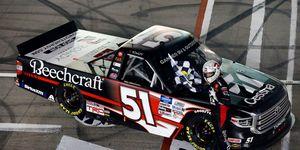 NASCAR Gander RV & Outdoors Truck Series Strat 200