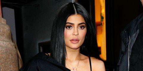 Hair, Face, Eyebrow, Black hair, Hairstyle, Lip, Nose, Beauty, Chin, Cheek,