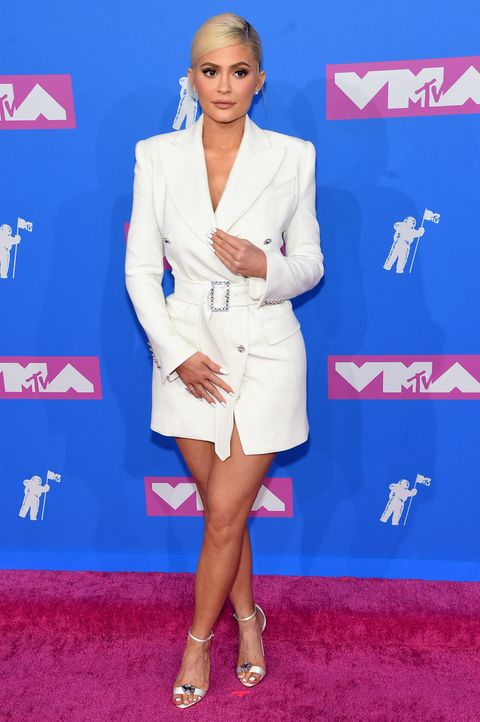 d8a667526a Kylie Jenner Looks Gorgeous in White Blazer Dress at the 2018 MTV ...