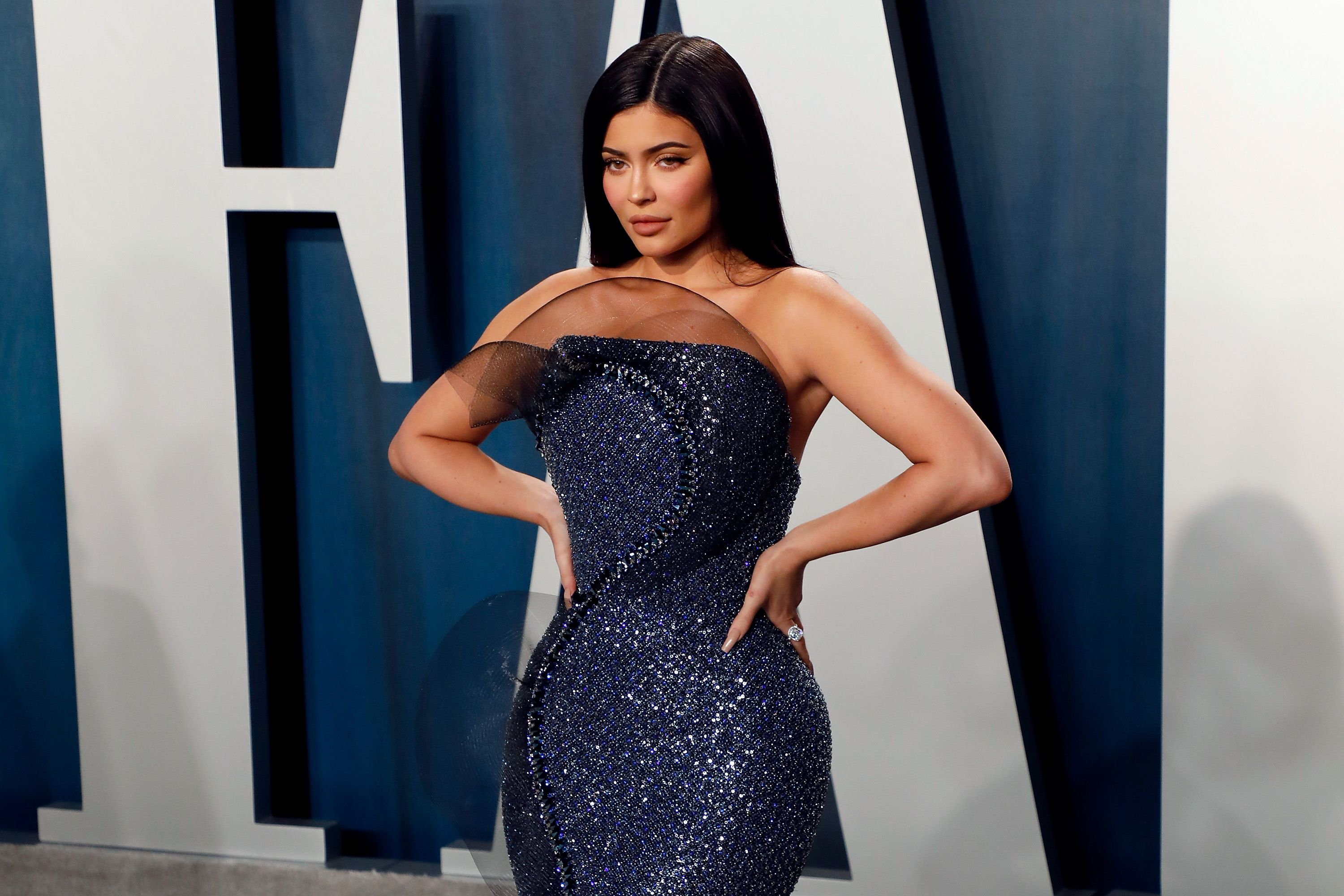 Kylie Jenner Wears Navy Dress At The Vanity Fair Oscar After Party In 2020