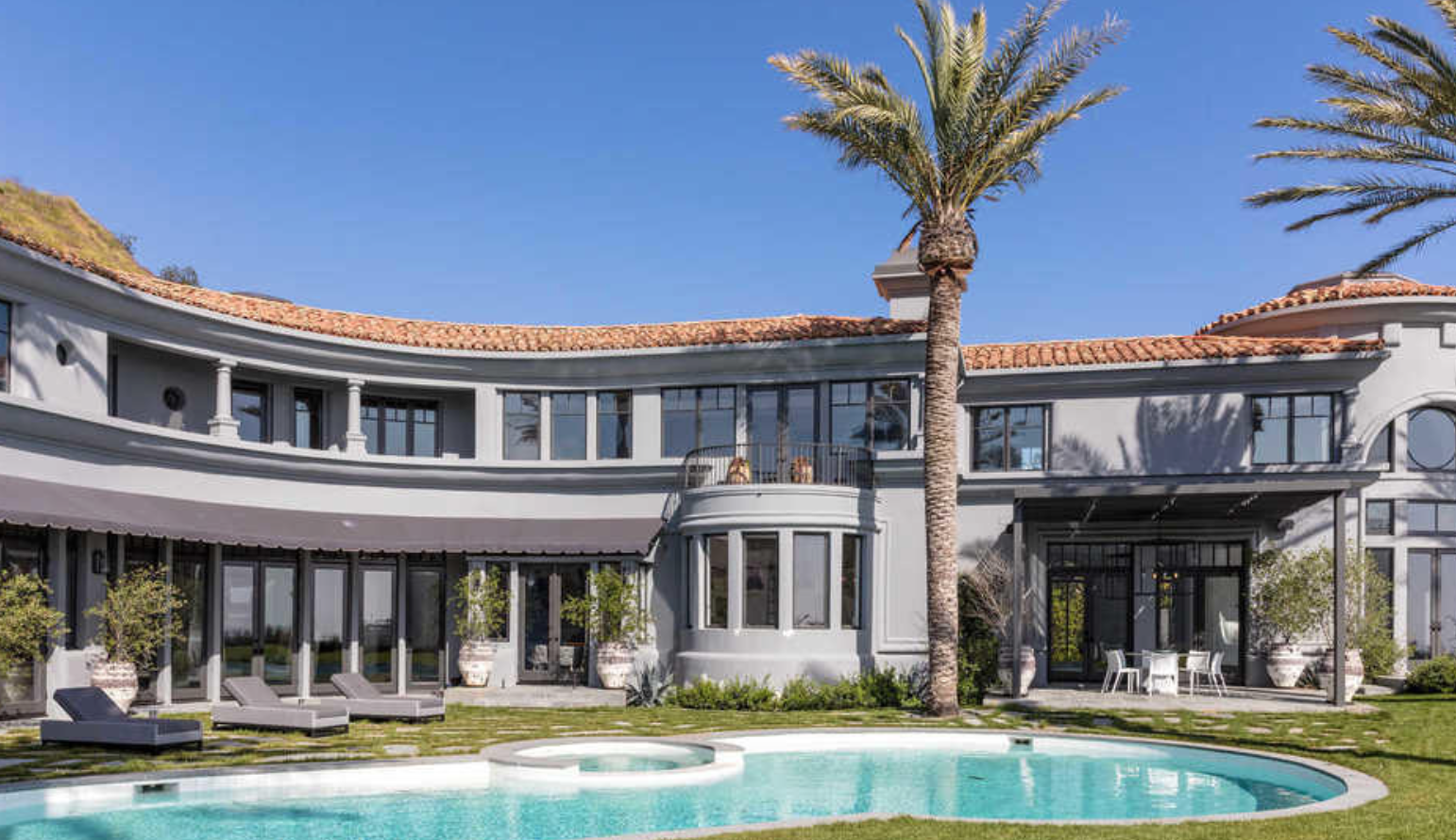 Kylie Jenner S Beverly Hills Home Is 35 Million Kylie Jenner House