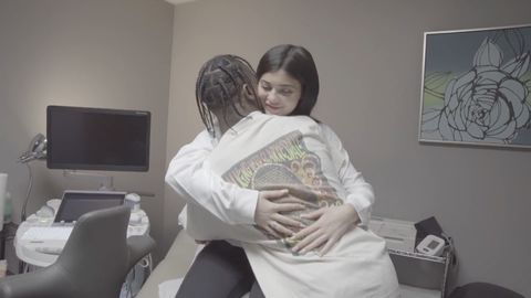 kylie jenner bump picture