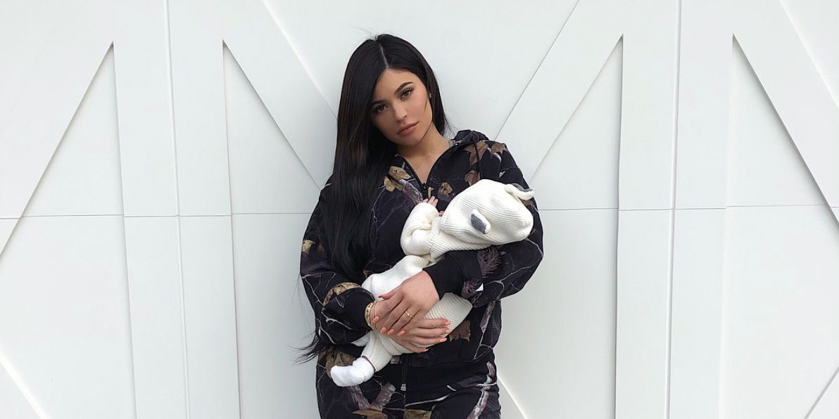 Kylie Jenner's Long Fingernails Are Causing Controversy