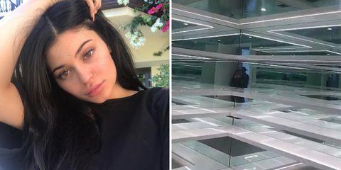 Hair, Face, Eyebrow, Skin, Beauty, Selfie, Hairstyle, Forehead, Black hair, Eye,