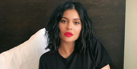 Black hair, Beauty, Photo shoot, Thigh, Leg, Sitting, Lip, Fashion, Arm, Model,