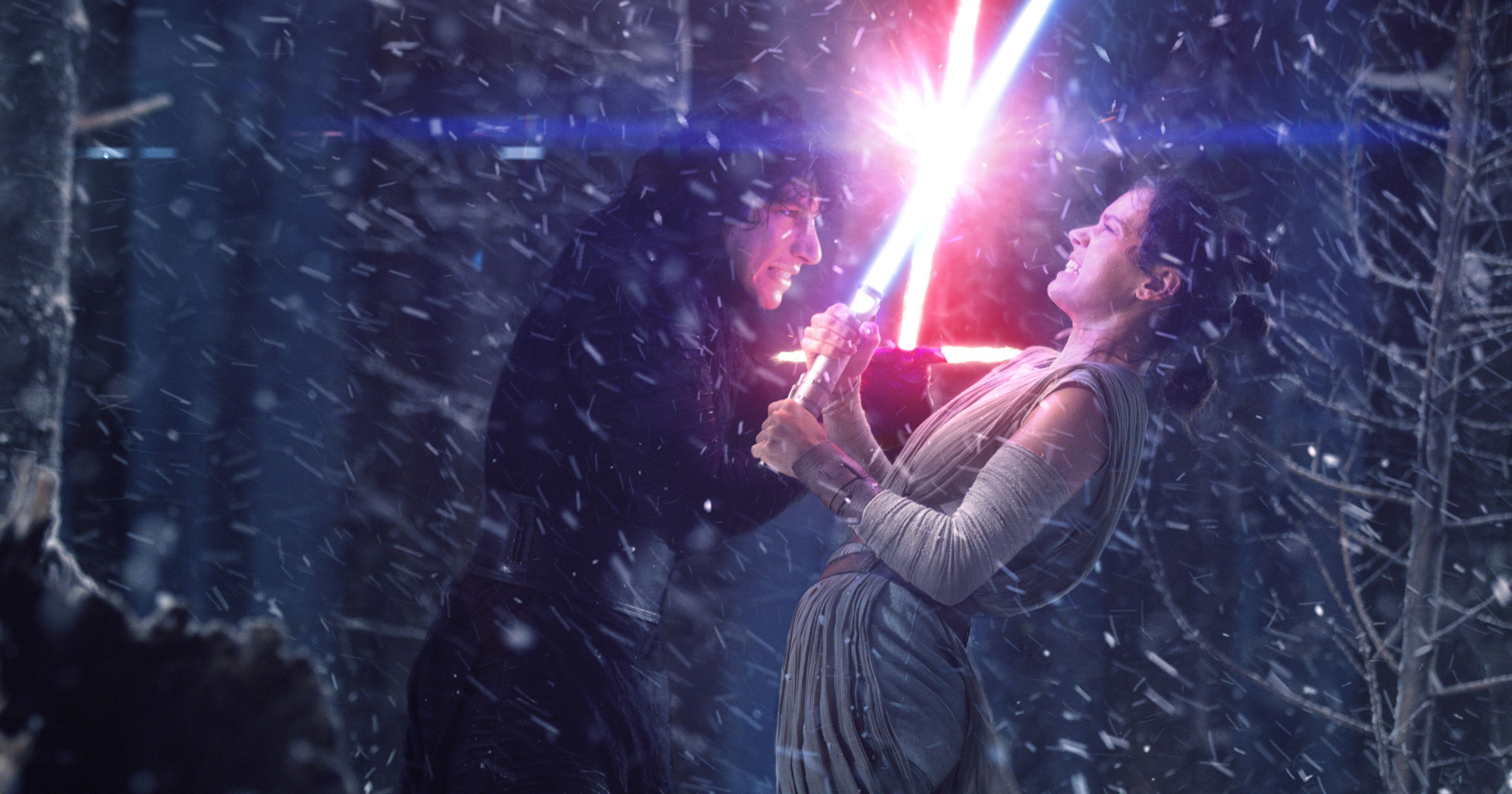 Star Wars Rise Of Skywalker S Kylo Rey Moment Nearly Didn T Happen