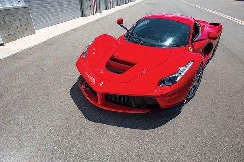 Land vehicle, Vehicle, Car, Supercar, Sports car, Automotive design, Coupé, Race car, Performance car, Hood,