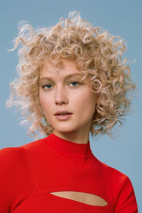 Hair, Face, Hairstyle, Blond, Chin, Eyebrow, Beauty, Lip, Fashion, Human,