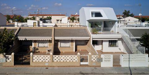 Una ampliación de una residencia vacacional, por Laura Ortín Arquitectura