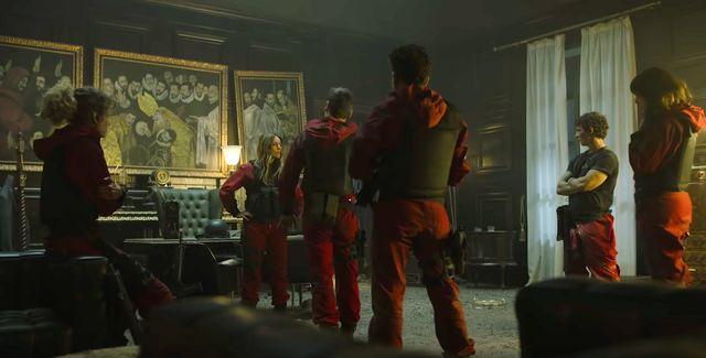 personajes en una escena de la parte 2 de la temporada 5