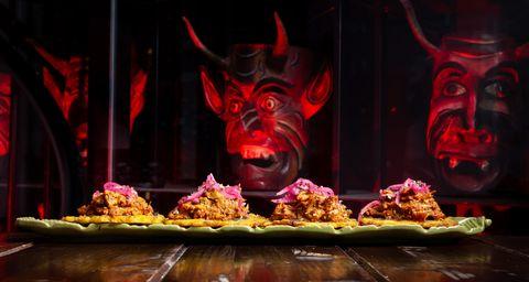 la-diavla-restaurante-mexicano-madrid-mascaras