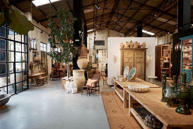 apertura de la tienda de antigüedades la fábrica de hielo en marbella