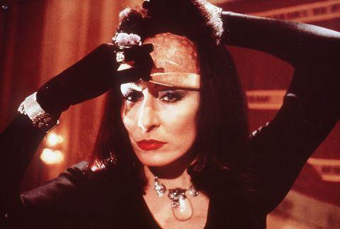 la maldicion de las brujas remake