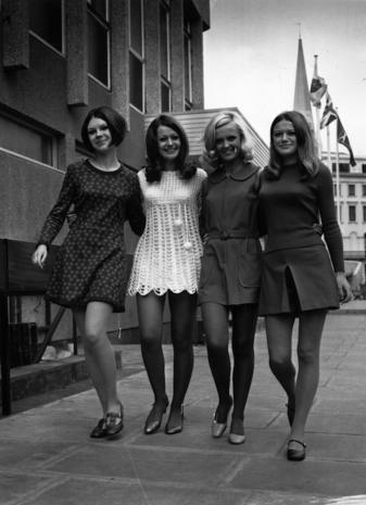 huge selection of 41c9b 8c663 La minigonna compie 50 anni storia e foto storiche