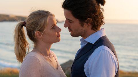 Emma Hausburg y Manuel Mairhofer en la película 'La novia de mi hermano' (Rosamunde Pilcher)